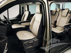 Ford-Tourneo_Custom_2
